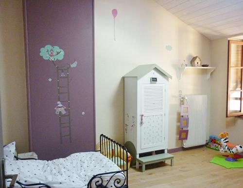 chambre deco placard le blog des editeurs de jolies choses pour enfants. Black Bedroom Furniture Sets. Home Design Ideas